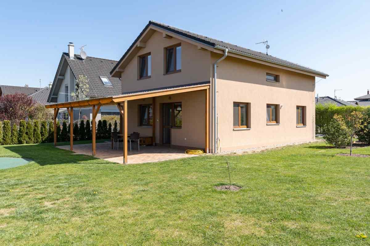 Dům z venku