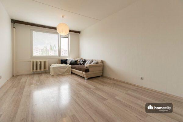 Druhý pohled obývacího pokoje