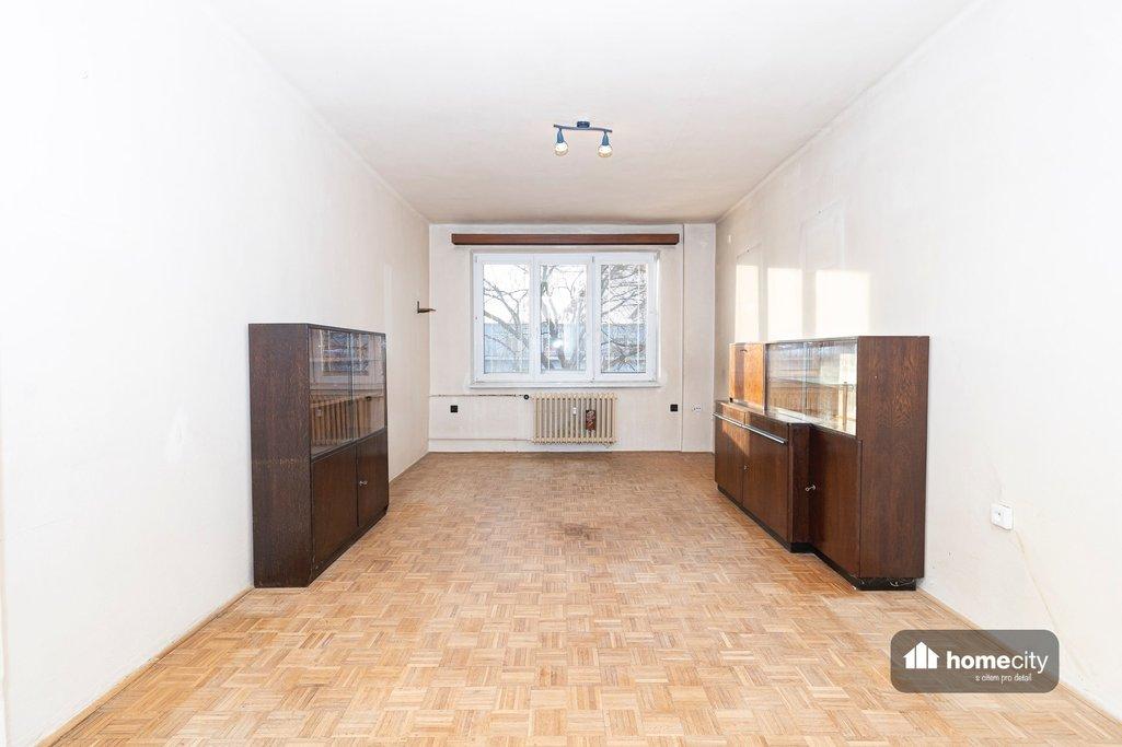 Obývací pokoj s komodami